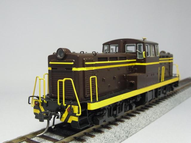 DD13(1灯型・茶色)