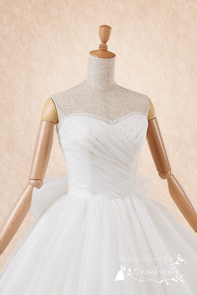 ウェディングドレス シンプル プリンセス