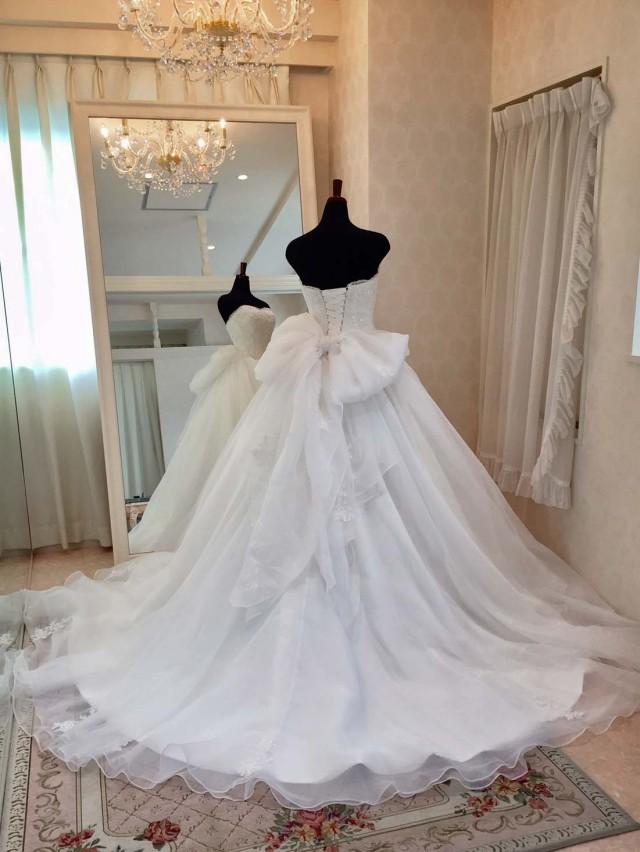 上品 シンプル ウェディングドレス