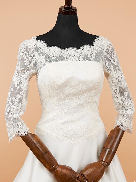 長袖のウェディングドレス フランスレース サテンのウェディングドレス