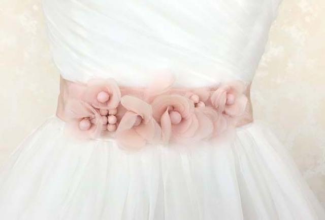 ウェディングドレス ベルト フラワーモチーフ ピンク verawang