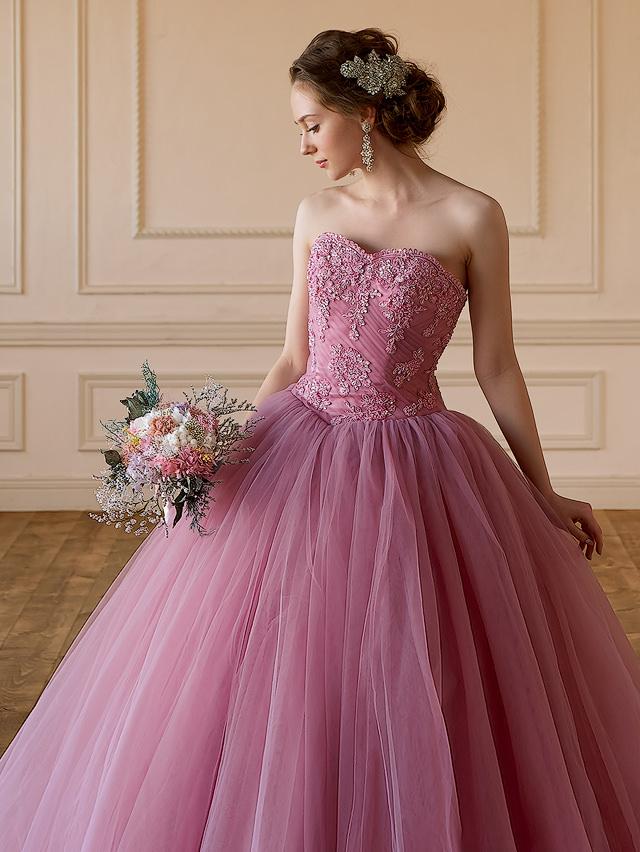 大人のシックなカラードレス ピンクグレーのカラードレス トレンドカラードレス