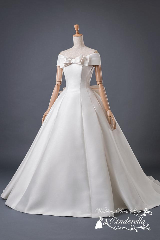 最新ウェディングドレス オフショルダー ミカドサテン