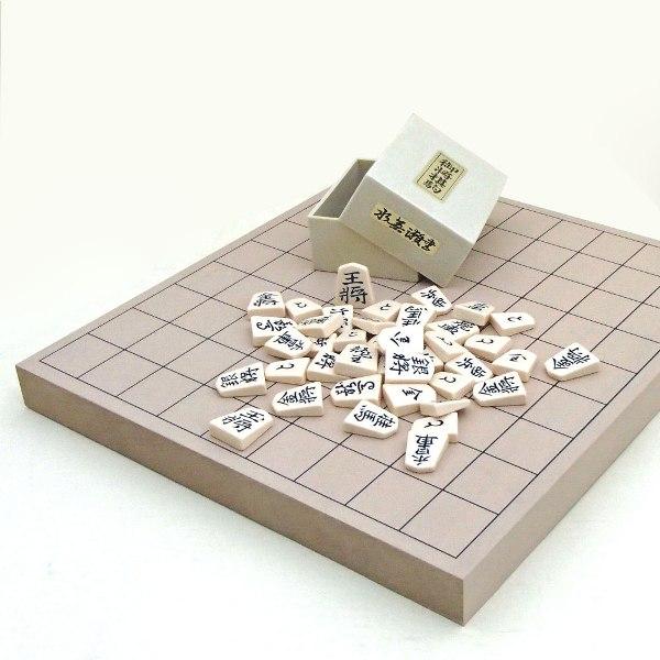 新桂1寸卓上接合将棋盤とプラスチック上駒水無瀬の将棋セット