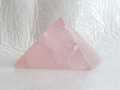 ローズクオーツのピラミッド  【pyramid025】