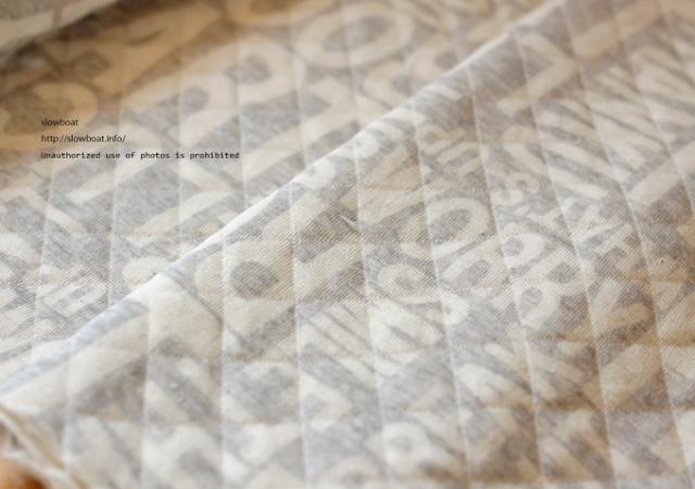〈sb〉38/ラフィーTOPピッサキルト 抜染crossword【グレー】