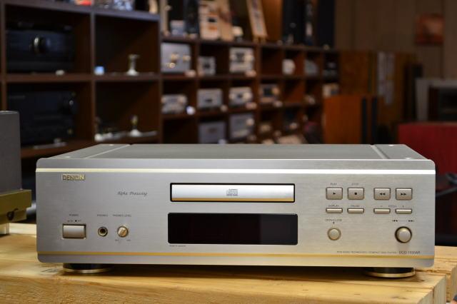 中古品 デノン CDプレーヤー DCD-1550AR(リモコン・説明書付)