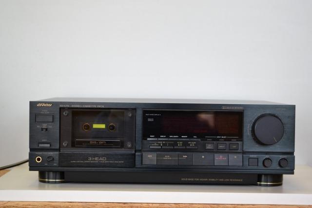 中古品 ビクター カセットデッキ TD-V711