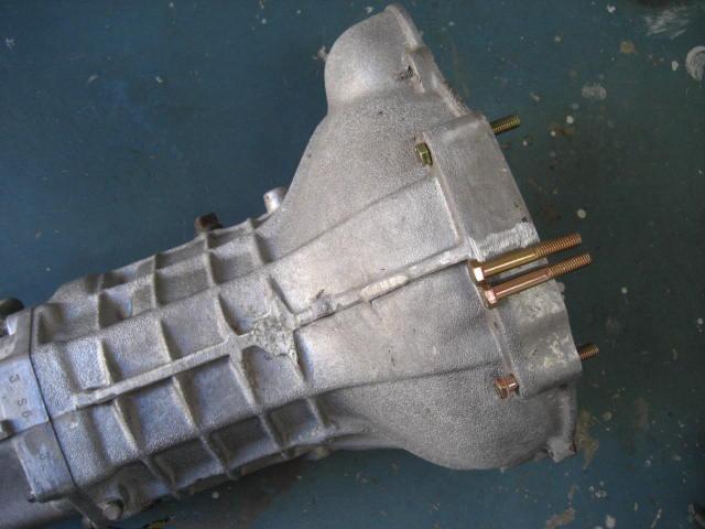 G型、R型3ベアリングエンジン車用、ミッション固定ボルト4本セット