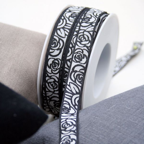 *〔A-35185〕 リボンテープ  バラ / ブラック 1.6cm幅  (10cm単位)