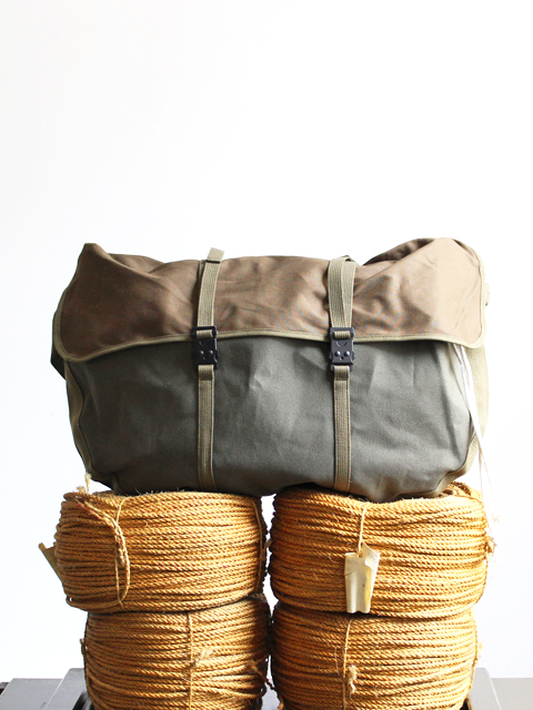 hobo ホーボー Cotton Canvas Round Shoulder Bag