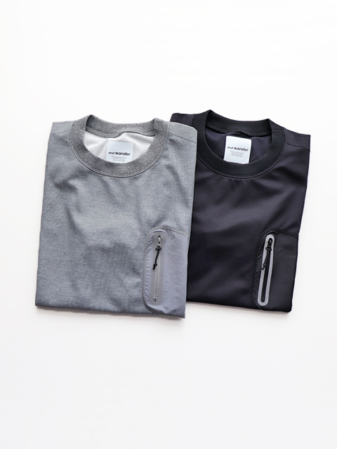 and wander(アンドワンダー) polyester seamless Tee