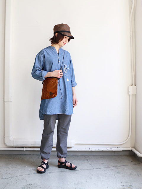 and wander(アンドワンダー) PL dungaree tunic