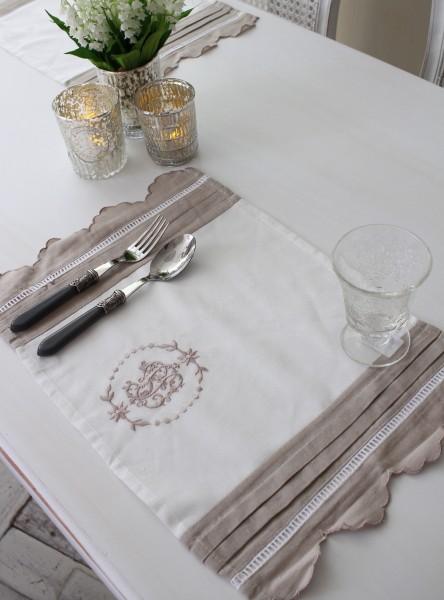 フランスから届くフレンチリネン(ランチョンマット・ホワイト×グレージュスカラップ) 【Blanc de Paris】 プレースマット