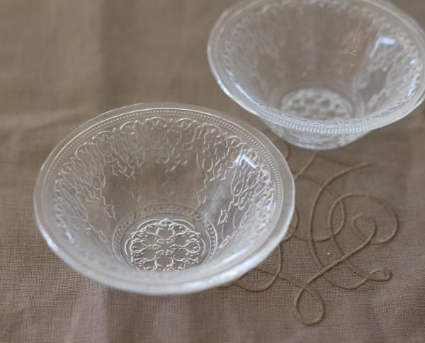 トルコ製の素敵なガラス食器♪ (ボールSサイズ) ガラスプレート 輸入食器 ガラス製 ケーキ皿 ディナー皿 ガラスボウル