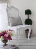 ハンドメイドのフランス家具 ダイニングチェア・フラワー 【Blanc de Paris】 椅子 チェア 木製 シャビーシック ホワイト