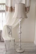 アンティークスタイルの大型フロアランプ 【Blanc Mariclo ブランマリクロ】 フロアスタンド 床置き 照明 ランプ け シャビ