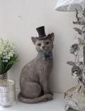 愛くるしい猫の置物(ブルータイハット) ネコ雑貨 アンティーク 雑貨 アンティーク風 姫系 輸入雑貨  シャビーシック antique