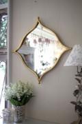 品の良いゴールド壁掛けミラー ひし形 輸入品 壁掛け用 アンティーク風 雑貨 フレンチカントリー 鏡 シャビーシック