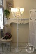NEW♪ シャビーシックなフロアランプ LED シャンデリア 5灯 アンティークホワイト フレンチ アンティーク風 姫系 白いシャンデリ