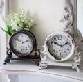 シャビーシックなアイアンフレンチ置時計 (ホワイト・ブラック) 置時計 テーブルクロック 輸入雑貨 アンティーク調 アンティ