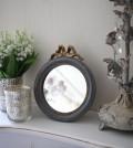 シャビーシックなリボンミラーS 丸形 グレイ×ゴールド 壁掛け卓上両用 アンティーク風 雑貨 フレンチカントリー 鏡