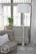 シャビーシックなプリーツシェードのフロアランプ アンティークホワイト フレンチ アンティーク風 姫系 白熱電球 スタンド照明