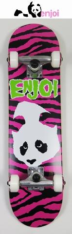 【送料無料】 enjoi 【エンジョイ】 KIDS 【コンプリートボード】子供用スケートボード 7.0 PANDA/DOESN'T