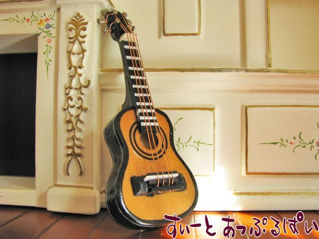 【Heidi Ott】 ミニギター HO-XZ303