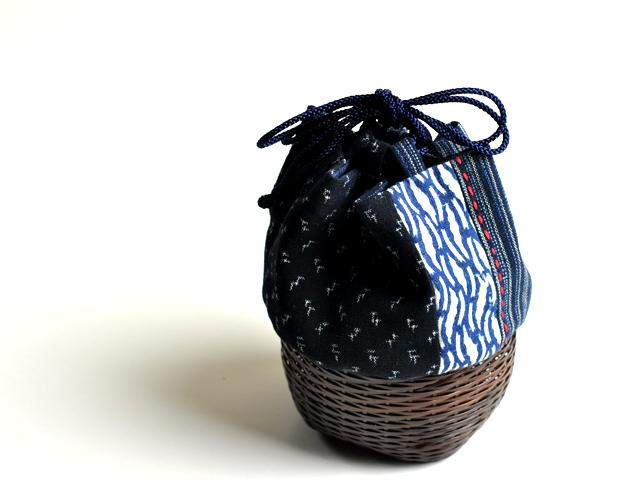 籠巾着「HAKO]藍、竹かご、ぐい呑み入れ、和小物、日本製、竹製品、巾着