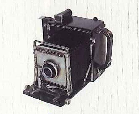 ブリキのおもちゃ(camera)