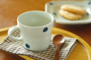 和食器・砥部焼 水玉もようのマグカップ(小)