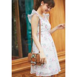 フレッシュな可愛さを振りまくオパールフラワーワンピース 松元絵里花さんはピンクを着用 2017 tocco closet Collection
