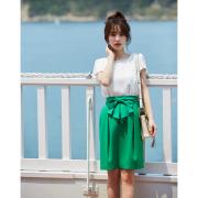 恋を呼び込むウエストリボン付き艶やかビタミンカラースカート  泉里香さんはグリーンを着用