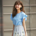 袖フリルで甘おめかし♪リネンライクブラウス 松元絵里花さんはサックスを着用 2017 tocco closet Collection