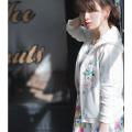 【まるで秘密の花園のようなビジュー×リボン刺繍パーカー】2017 tocco closet(トッコクローゼット) Collection小嶋陽菜さんはオフホワイト着用