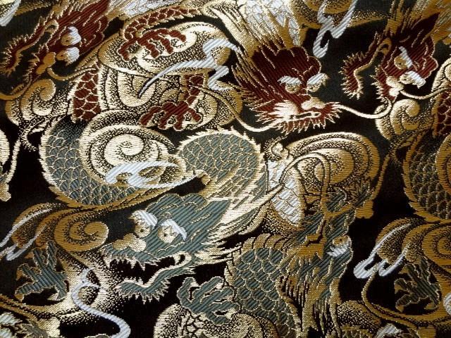 京西陣・金襴生地 闘龍(黒) (和柄 和風 衣装 生地)