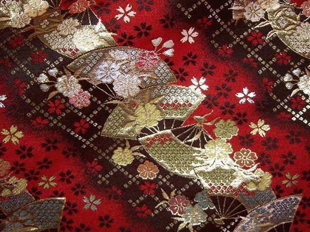 京西陣・金襴生地 扇面に小桜 (和柄 和風 衣装 生地)