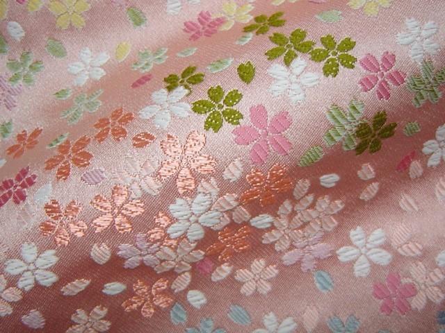 京西陣・金襴生地 桜花爛漫 桃 (和柄 和風 衣装 生地)