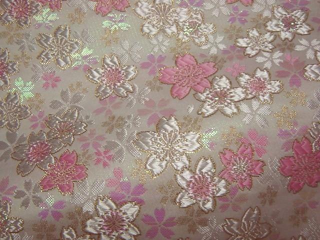 京西陣・金襴生地 うす墨の桜(さくら色) (和柄 和風 衣装 生地)