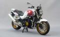【スカイネット】1/12完成品バイク CB1300 SUPER FOUR (ホワイト/レッド)