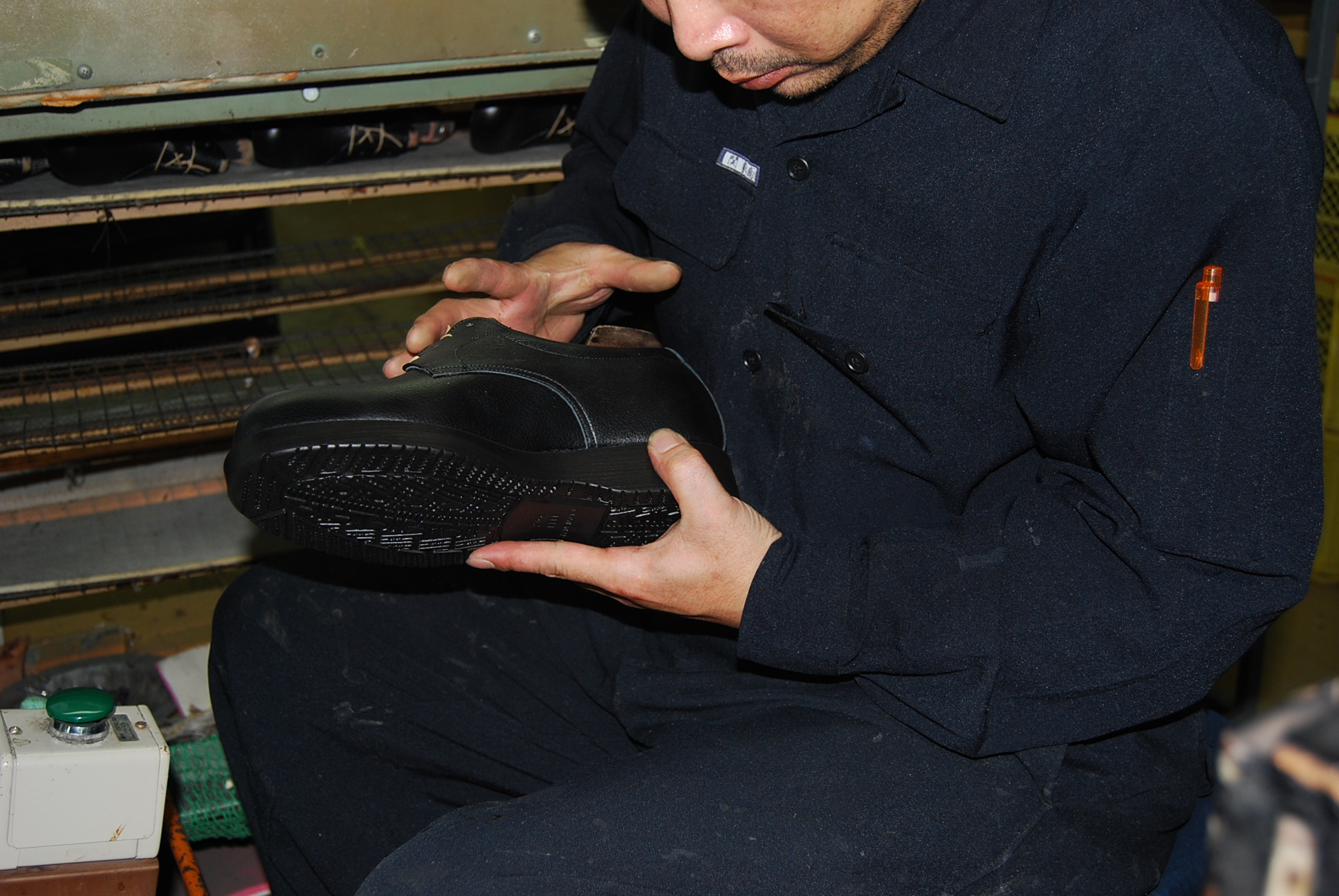 靴底貼り替え シークレットシューズの革靴本舗