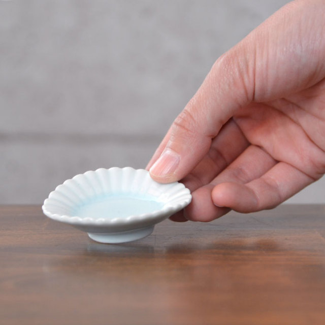 和食器 青白磁輪花豆皿  作家「山本雅彦」