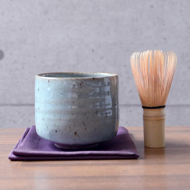 美濃青瓷茶碗(共箱付A) 作家「林隆一郎」