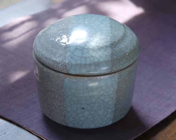 和食器 貫入釉掛分蓋物(青白) 作家「多屋嘉郎」