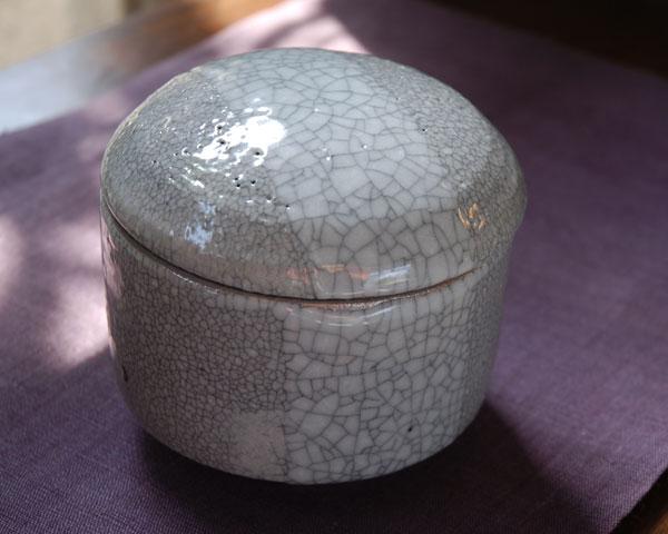 和食器 貫入釉掛分蓋物(白) 作家「多屋嘉郎」