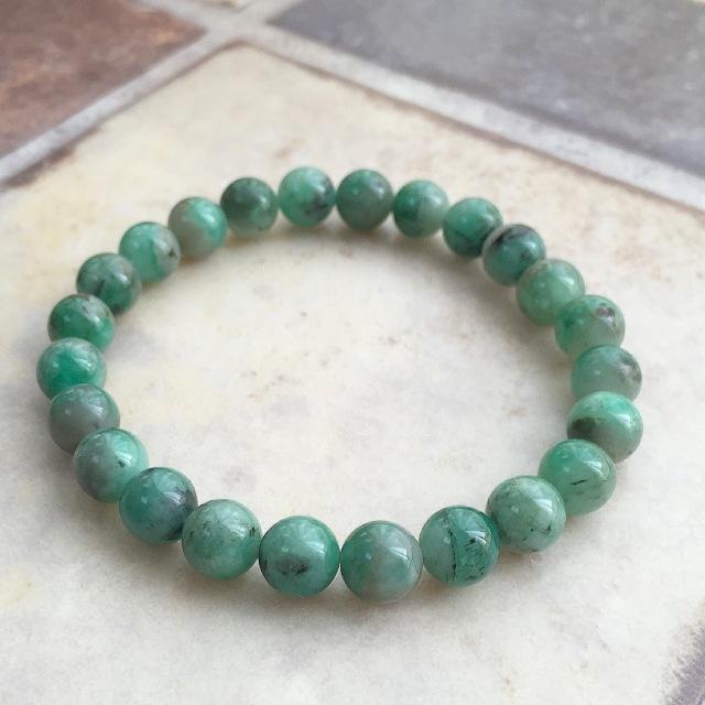 『穏やかな緑』 エメラルドのブレスレット