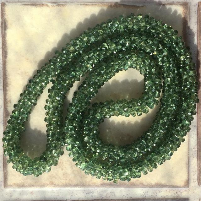 『宝石質グリーンアパタイト 落ち着きのクロッシェネックレス』