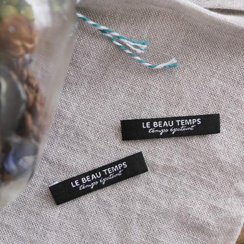 ばら刺繍タグ‐TEMPS(黒色×白)
