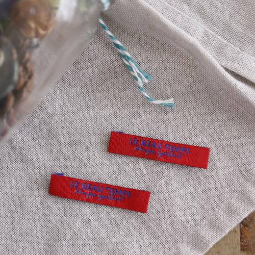 ばら刺繍タグ‐TEMPS(赤色×青)